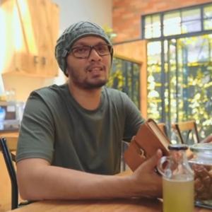Hanan Attaki Podcast by Motivasi Kebaikan