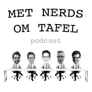 Met Nerds om Tafel by Randal Peelen